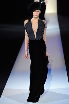 Amazing dress:  Giorgio Armani - Fall 2013 RTW — Milan Fashion Week