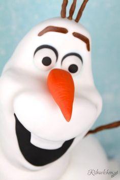 Tutorial für eine stehende 3D Olaf Torte mit Schritt-für-Schritt Fotos Rice Krispies, Bolo Olaf, Diy Birthday, Birthday Gifts, Mini E, Snowman, Frozen, Disney, Cakes