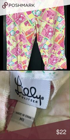 Womans Lilly Pulitzer Capri Pants It is a size ms, color is white and pink, in mint condition, no holes or stains! I do not accept returns the condition is listed if there is a stain or something I would list it so when you buy it the sale is Final I will not return. All items are preowned so they will have some wear. Lilly Pulitzer Pants
