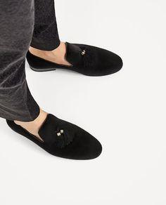 Image 2 of BLACK VELVET LOAFERS WITH TASSELS from Zara