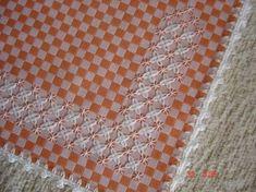 Resultado de imagem para bordado em tecido xadrez