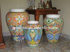 Trio de vasos em mosaico