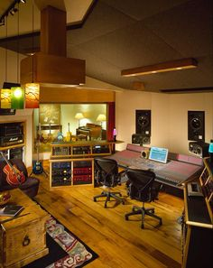 lots of pictures of recording studios. the best recording studios. some people like boats, some like cars, some like art (as do I) - I like recording studios. Studio Desk Music, Studio Setup, Studio Ideas, Audio Studio, Ideas For Small Apartments, Home Music Rooms, Recording Studio Design, Sound Studio, Music Studios