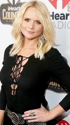 Miranda Lambert's Ladysmith bed-and-breakfast in Tishomingo, Oklahoma, has closed just a few months after she shuttered her Pink Pistol boutique across the street — find out Miranda Lambert Bikini, Miranda Lambert Hair, Miranda Lambert Photos, Maranda Lambert, Country Girls, Country Music, Country Female Singers, Celebs, Celebrities