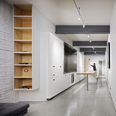 Image 1 of 24 from gallery of Paris Block Paris Annex / Gair Williamson Architect + Ankenman Marchand Architects. Photograph by Ed White Residential Architecture, Interior Architecture, Garden Architecture, Long Walls, Design Your Life, Smart Design, Design Design, Interiores Design, Small Living