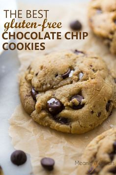 The BEST gluten-free chocolate chip cookies! Everyone always goes crazy for these! The BEST gluten-free chocolate chip cookies! Everyone always goes crazy for these! Cookies Sans Gluten, Dessert Sans Gluten, Bon Dessert, Dessert Recipes, Keto Desserts, Cuban Desserts, Thermomix Desserts, Paleo Cookies, Health Desserts