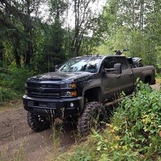 New Chevy Duramax Lifted Chevy Trucks, Gm Trucks, Jeep Truck, Chevrolet Trucks, Diesel Trucks, Cool Trucks, Pickup Trucks, Lowered Trucks, Offroader