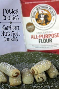Roll Cookies, Cookies Et Biscuits, Kolachi Recipe, Macarons, Slovenian Food, Cookie Table, Croatian Recipes, Hungarian Recipes, Cookie Brownie Bars