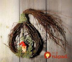 Nezvädnú, nezničia sa a vyzerajú kúzelne: 17 krásnych nápadov na jesennú dekoráciu z obyčajného prútia a kanárikov! Christmas Rock, Christmas Wreaths, Christmas Crafts, Christmas Ornaments, Nature Crafts, Grapevine Wreath, Flower Decorations, Diy And Crafts, Flora