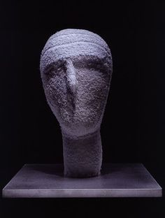 """Louise Bourgeois, """"The Mute"""", 2002 — Fabric and aluminum, x x cm / 14 x 12 x 12 in. Louise Bourgeois, Willem De Kooning, Art Sculpture, Pottery Sculpture, Cy Twombly, Fibre And Fabric, Portraits, Contemporary Sculpture, Land Art"""