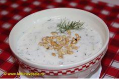 Reteta culinara Supa rece de iaurt cu castraveti (video) din categoria Supe. Specific Bulgaria. Cum sa faci Supa rece de iaurt cu castraveti (reteta video) Romanian Food, Romanian Recipes, Balanced Meals, Tzatziki, Cheeseburger Chowder, Cooking, Bulgaria, Youtube, Cream