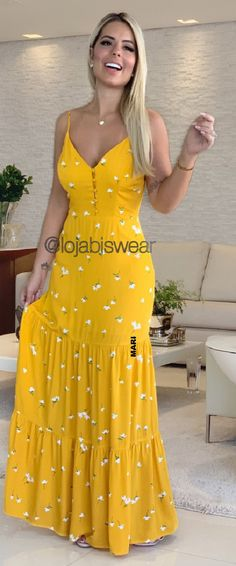 Casual Outfits, Cute Outfits, Fashion Outfits, Womens Fashion, Simple Dresses, Summer Dresses, Photography Poses Women, Indian Designer Wear, Ideias Fashion