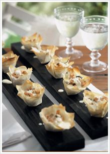 Salmon, Caper & Dill Phyllo Tarts Phyllo Recipes, Tart Recipes, No Cook Appetizers, Appetizer Recipes, Salmon Capers, Pickle Relish, Light Recipes, Tapas, Easy Meals