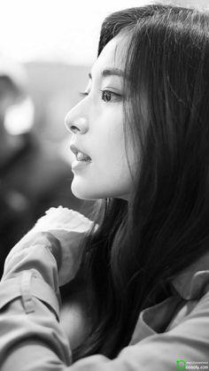 Twice Tzuyu side face classic effect Kpop Girl Groups, Korean Girl Groups, Kpop Girls, Pretty Asian, Beautiful Asian Girls, Nayeon, K Pop, Tzuyu Body, Tzuyu Wallpaper