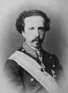 Francisco de Asís María Fernando de Borbón, hijo del infante Francisco de Paula de Borbón y rey consorte de España (1822-1902; r. 1846-1868)