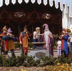 """msdlpierce7530:  Daily Vintage Disneyland, Cotter collection: Merlin and lifting the sword from the 60's, they just stopped this show a few years back, sad. http://www.worldsfairphotos.com/themeparks/disney.htm Apple iBooks """"Disneyland A Photographer's Dream"""" https://itun.es/us/itjT3.l (over 600 photos, only $5.99) www.mickeyphotos.com Flickr: https://flickr.com/msdlpierce7530 Twitter: https://twitter.com/msdlpierce7530 Google+: https://www.google.com/+MickeyphotosDisneyphotos 500px…"""