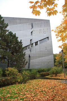 Built by Daniel Libeskind in Berlin, Germany with date 1999. Images by Cyrus Penarroyo. In 1987, the Berlin government organized an anonymous competition for an expansion to the original Jewish Museum in B...