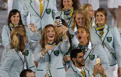 Die australischen Sportler hatten offensichtlich Spaß beim offiziellen Einzug -...