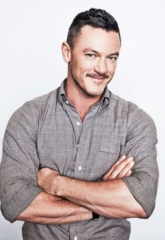 "luuuuuke-evans:  ""Luke Evans of TNT's 'The Alienist' poses for a portrait during the 2018 Winter TCA Tour at Langham Hotel on January 13, 2018 in Pasadena, California. - (x)  ""  Reblogging because I updated the post with a hi-res version thanks to..."