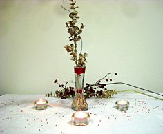 Amazing #glass #vase with golden leaves touched with glitter wrapped in silver lining decor. (Original Piccanti Creation)