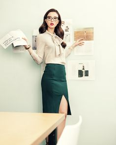 The sexy secretary look! Lee Seungmi by Ahn Jiseop for Cosmopolitan Korea Oct 2012