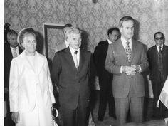 Hafez Assad President of Syria and Nicolae Ceausescu Former 1 President of Romania Syria, Presidents, Coat, Fashion, Moda, Sewing Coat, Fashion Styles, Peacoats, Fashion Illustrations