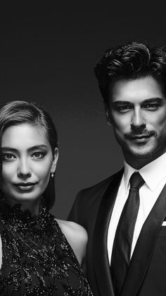 Turkish Men, Turkish Actors, Black Paper Drawing, Burak Ozcivit, Mix Photo, Endless Love, Karaoke, Actors & Actresses, Famous People