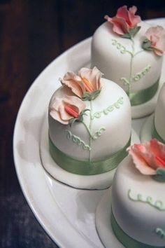 .Mini cakes--a little bigger than a cupcake