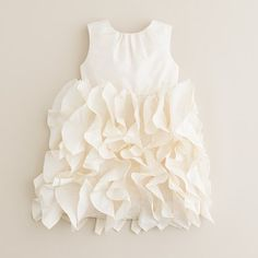 Tiny flower girl dress of Ruffle Fabric: Tutorial!: Create / Enjoy