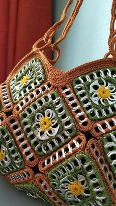 Crochet handbags 516928863477748407 - Tejidos con fichas Source by revedepatch Bag Crochet, Crochet Shell Stitch, Crochet Handbags, Crochet Purses, Soda Tab Crafts, Can Tab Crafts, Tape Crafts, Purse Patterns, Crochet Patterns