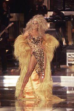 RuPaul · The reigning Queen of Drag Queens Drag Queens, Trajes Drag Queen, Estilo Beyonce, Rupaul Drag Queen, Diana Ross, Looking Stunning, Cleopatra, Gay Pride, Amazing Women