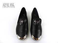 Collection Giuseppe Zanotti: Za Loafer en cuir noir