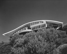 The North Elevation: Classic Spaces: John Lautner: Garcia Residence a. The Rainbow House: Los Angeles John Lautner, Vintage Architecture, Amazing Architecture, Architecture Design, Rainbow House, Modern Architects, Architectural Photographers, California Homes, Southern California