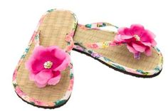 b58baa08f Flip flop decorating ideas abound when you shop smart. Are your flip flops  looking particularly boring