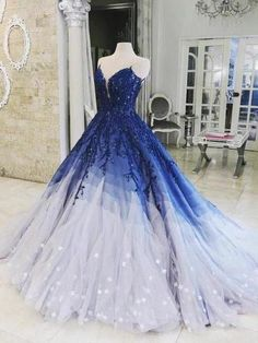 A-Linie Ombre Ballkleid mit Applikationen Königsblau Kleider .- A-ligne de robe de bal Ombre avec appliques bleu royal robes de bal Robe de soir A-Line Ombre Abendkleid mit Applikationen Royal Blue Prom Dresses Abendkleid … – Source by dresses Ombre Prom Dresses, Royal Blue Prom Dresses, A Line Prom Dresses, Evening Dresses, Prom Dresses For Teens, Black Prom Dresses, Royal Blue Gown, Ombre Gown, Prom Gowns