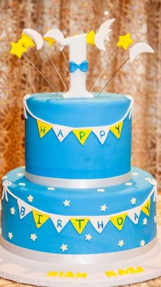 Amazing cake at a Twinkle Twinkle Little Star birthday party! See more party ideas at CatchMyParty.com!