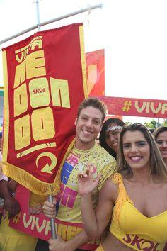 Visita de Fábio Porchat pela Skol ao carnaval 2015 de Pernambuco.