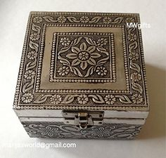 Small Silver Metal Indian/Moroccan Style Jewellery Box - Hand Made MWgifts http://www.amazon.co.uk/dp/B011SRPEL8/ref=cm_sw_r_pi_dp_tGbRvb0DERX07