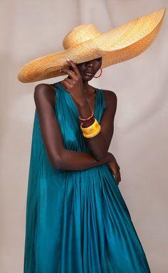 afrikanischer stil Large Paper-Braid Glamour Hat by Sensi Studio Look Fashion, High Fashion, Womens Fashion, Fashion Tips, Fashion Trends, Fashion Glamour, Fashion Hacks, 80s Fashion, French Fashion