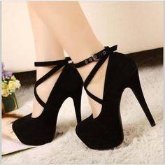 Zapatos Altos Negros y Casuales, Hermosos con Un Amarre entre los Tobillos!