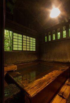 Hinoki (Japanese cypress) bath 桧風呂, 山河旅館 黒川温泉 阿蘇 熊本県 Hot Spring Bath at Sanga Ryokan (Inn), Kurokawa-Onsen