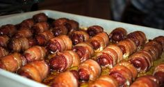Bacon-Wrapped Smokies with Brown Sugar and Butter Finger Food Appetizers, Yummy Appetizers, Appetizers For Party, Appetizer Recipes, Christmas Appetizers, Bacon Wrapped Smokies, Lil Smokies, Smokies Recipe, Crack Weenies Recipe