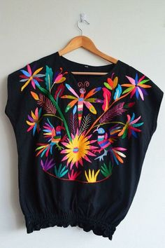 Black Otomi Blouse Organic Otomi blouse Hand by OtomiMexico Mexican Blouse, Mexican Outfit, Mexican Dresses, Mexican Style, Look Fashion, Womens Fashion, Fashion Design, Mexican Fashion, Mexican Embroidery