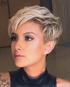 15 Coolest Short Hairstyle Inspiration - My Daily Pins Short Choppy Hair, Short Hairstyles For Thick Hair, Short Grey Hair, Short Hair With Layers, Short Hair Cuts For Women, Pixie Hairstyles, Funky Short Hair, Super Short Hair, Popular Short Hairstyles