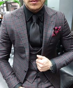 I love the colors in this outfit. The black works so well with the burgundy.  #thegentlemansinc