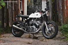Yamaha Virago XV920 // love the white & red w/ black