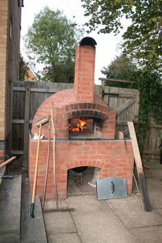 Fit The Home » Outdoor Brick Pizza Ovens Equipped With Small ...