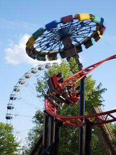 Take a thrill ride (or two) at Six Flags St. Louis