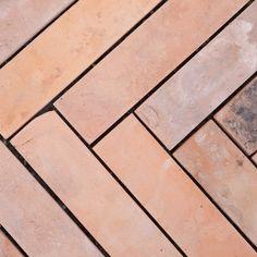 Ceramic Pottery, Ceramic Art, Easy Tile, Lime Paint, Glazed Tiles, Antique Tiles, Spanish Tile, Portuguese Tiles, Tile Murals