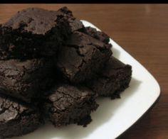 Dairy-free, eggless, gluten free chocolate fudge brownies - based on sweet potato #eggfree #nutfree #paleo,